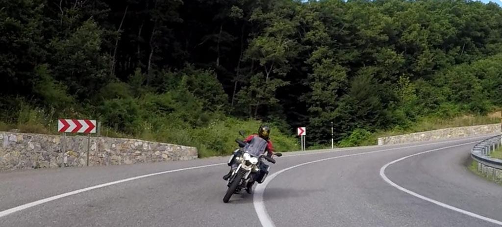 MOTO GUZZI 2021 V85 TTTravel